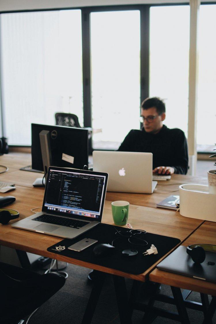 Benefits Of Hiring An Internet Developer For Website Development