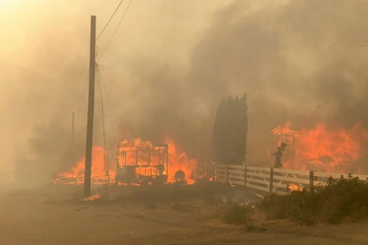 Canada: Over 1,000 people evacuated as fires engulf town